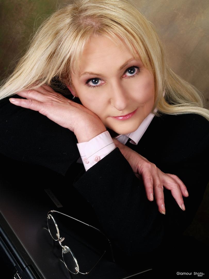Author Denise Devine